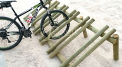 Bicycle parking stand for nature paths