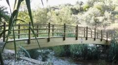 Bridge with round curved posts