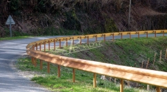 Imitation-wood metal safety barrier